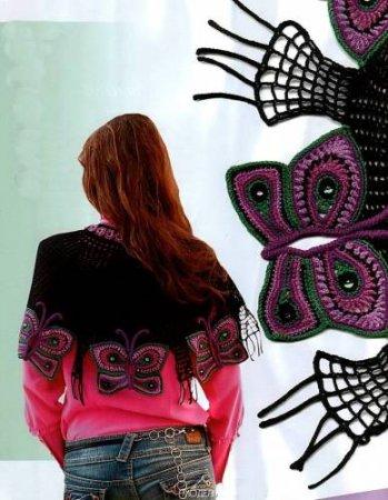 Вязаная накидка с бабочками