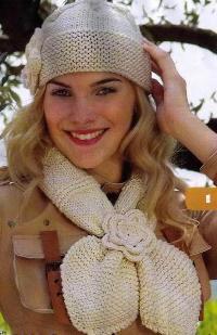 Вязаные шарф и шапочка