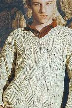 Вязаный нетривиальный пуловер