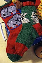 Детские вязаные носки со слониками